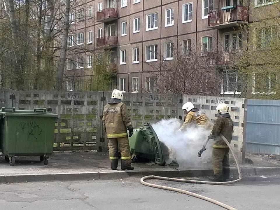 Пожарно-спасательное подразделение МЧС России ликвидировало пожар на территории Балтийского ГО