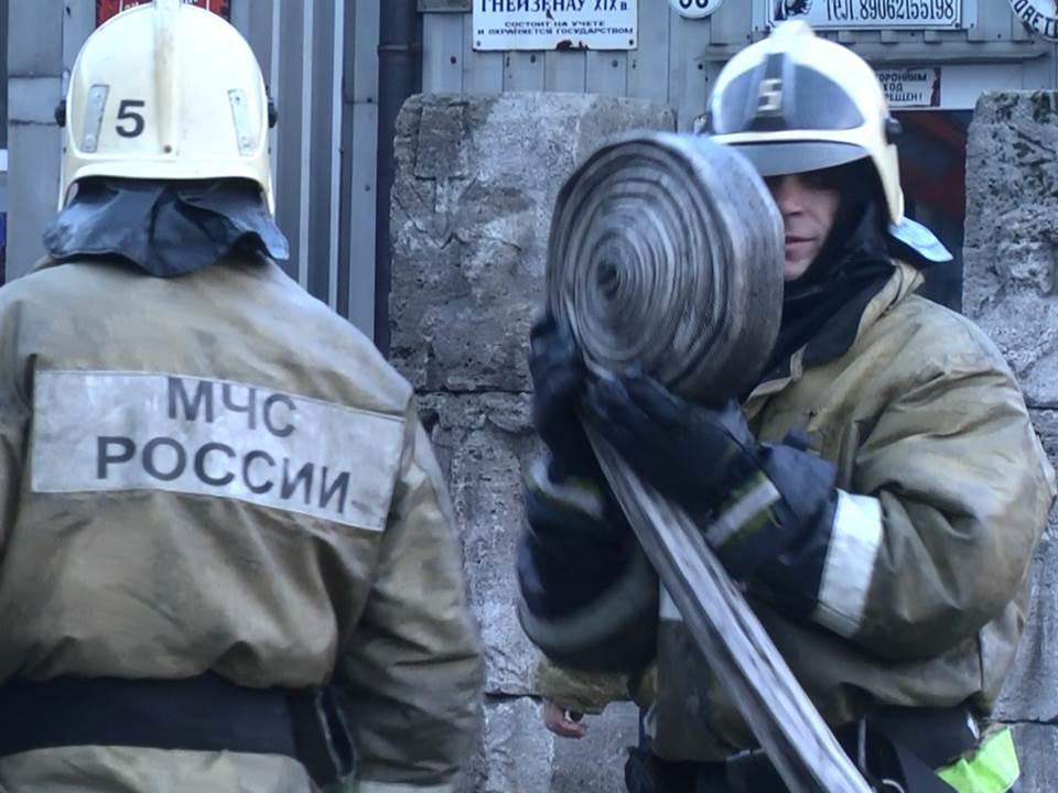 Пожарно-спасательное подразделение МЧС России реагировало на пожар на территории Пионерского ГО