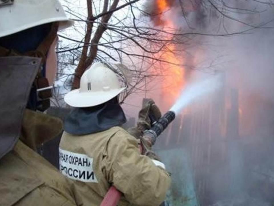 Пожарно-спасательное подразделение МЧС России ликвидировало пожар на территории Гвардейского ГО