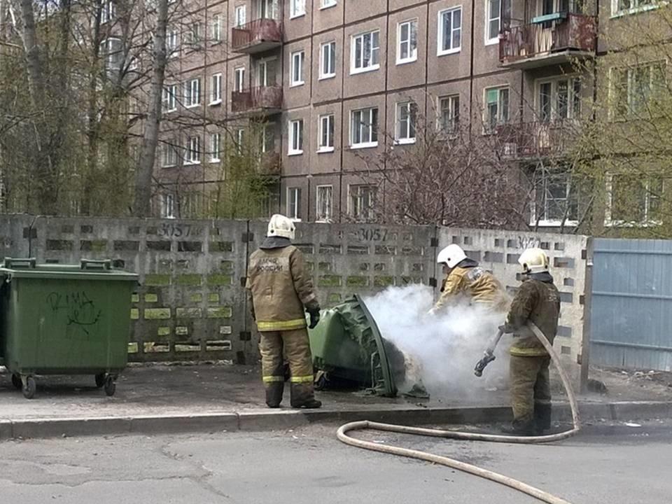 Пожарно-спасательные подразделения МЧС России 3 раз привлекались для ликвидации горения бытовых и строительных отходов на территории Калининградской области