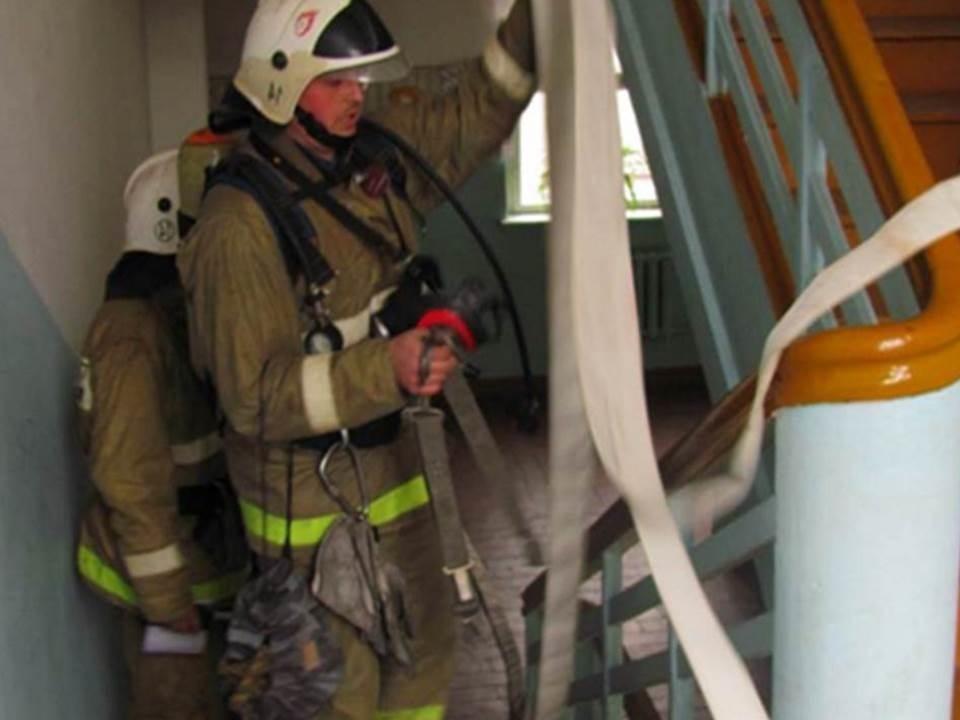 Пожарно-спасательные подразделения МЧС России ликвидировали пожар на территории города Балтийска
